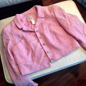Pink cropped long sleeve blazer